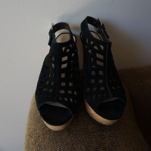 Black Wedges